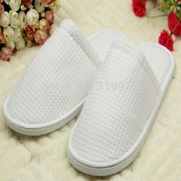 Wholesale Luxury White Cotton Waffle Hotel Slippers disposable slippers one time hotel family travel slipper pairs