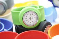 Wholesale DHL Free High Quality silicone slap watch kids slap watch children watches kinds of color opp bag packaging