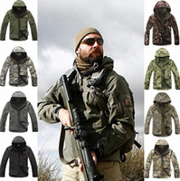 Wholesale Fall Army Shark Skin Soft Shell Tactical Military Jacket Outdoors Waterproof Sport Hoody Men Camouflage Hunting Hiking Fleece Jackets