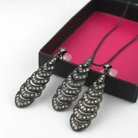 alloy jewellery box - Gift box packaging AVOM Brand Jewelry sets Vintage openwork leaf necklace crystal earrings fine Jewellery gifts for women girls