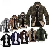 Calidad a estrenar ocasionales militares del estilo chaquetas para hombres Otoño Invierno Moda Hombre Delgado Corto Fosa de camuflaje Escudo M-XXL