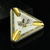 Wholesale Horse Pattern Cigar Ashtray Rest Trilateral Cigarette Ceramic Ash Tray with Rests Packing with Gift Box