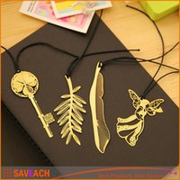 Wholesale Stylish Gold Plated Hollow Animal Feather Bookmarks Book Mark Office Supplies High quality Hot