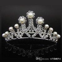 beautiful jewerly - 2015 Glaring Beautiful Tiaras Crowns Jewerly Wedding Hairs Pieces Crowns Handmade Comb Stimulated Pearl in Stock Bridal Tiara