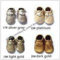Wholesale Most Hot selling baby genuine leather fringe moccasins soft leather moccs baby booties toddler solid colour tassel shoes moccasin M