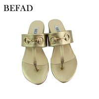 Wholesale Round Toe Comfort PU Slippers for Summer Fashion Girls Slippers with Metal Button Discount Low Slippers for