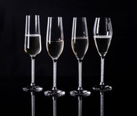 Wholesale Wedding party favors Crystal champagne flutes a set with crystal base and moving crystal stem wine glass
