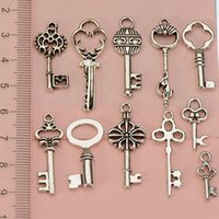 Wholesale charms jewelry mixes antique silver keys metal vintage new diy fashion jewelry accessories for jewelry bracelets necklaces making