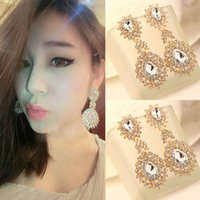 Wholesale Sparkly Accessories Gold Crystals Earrings Europe Style Ear Accessory Dangle Rhinestone Earring Gifts for Women P