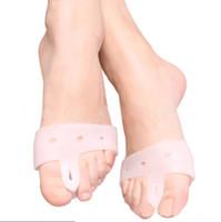 Wholesale 1 Pair Silicone Gel foot fingers Toe Separator thumb valgus protector Bunion adjuster Hallux Valgus Guard feet care