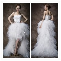 feather balls - Bwautiful Ball Gown Wedding Dress With Sweethert Strapless Sleeveless Lace Up Feather Organza Hilo Short Beach Bridal Gown WH2730