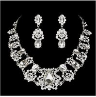 pendant flower rhinestone - 3pcs set Crystal Earring Necklace Wedding Bridal Jewelry Accessaries Set Flowers Design Rhinestones Pendant Ornament two color for choose