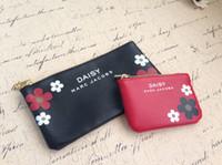 beauty designer brands - Women Brand New Diasy Cosmetic Bag Makeup Storage Organizer Beauty Case Box Organizador neceser Travel Famous Designer