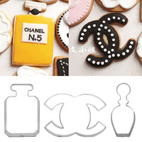 cake decoration - Perfume Bottle Scent Bottle Stainless Steel Cutters Sugar Craft Cookie Sandwich Betro DIY Mould Molds Metal Cake Decoration Tool