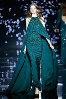 al por mayor vestido azul de lentejuelas de zuhair murad-2016 Zuhair Murad Teal azul Halter Backless Sprakling lentejuelas rebordeado con Cape Chiffon celebridad rojo tapete Prom Evening vestidos de fiesta