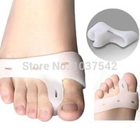 Wholesale 1pair picsGenuine new special hallux valgus bicyclic thumb orthopedic braces to correct daily silicone toe big bone T1220 W0