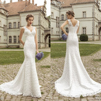 Wholesale Mermaid Wedding Dresses Full Lace Beach Plus Size Custom Made V Neck Sleeveless Vintage Sweep Train Long Lace up Back Bridal Gowns
