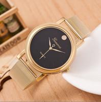 El oro reloj de lujo vestido de la manera de la mujer de acero inoxidable completa relojes nombre de los hombres de la marca de Ginebra de cuarzo manecilla de mejor calidad
