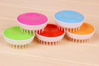 Wholesale Pet Cat Dog Rabbit Pet bath brush Convenient hand type massage comfort plastic injection pet cleaning product Y30128