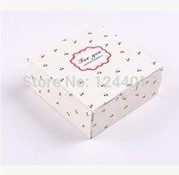 Wholesale 2015 limited time cake box handbag boxing macarons box