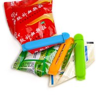 Wholesale new arrival Colorful Bag Tools Plastic Knob Relaxed Carry Shopping snack Bag Clips Handler Kitchen Tools
