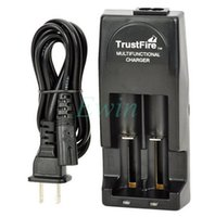 Wholesale Hot Sales TrustFire TR001 Multifunctional Lithium Battery Charger for rechargeable battery