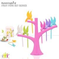 Wholesale Hot Design Hummingbird Shaped Plastic Fruit Forks with Tree Birds Dessert Forks Cutlery Set Tableware Stand Holder Forks