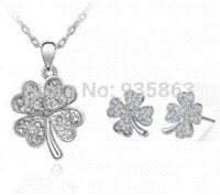 australian steel - Women Accessories Jewelry set Australian crystals Four leaf Clover gift for Christmas wholesaleA95 B151 gifts twilight gift phone