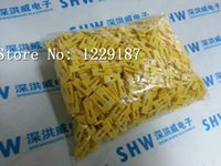 Wholesale New original MM standard pitch cap shorted circuit board jumper shunt jumper pin computer skillet yellow