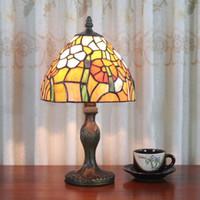 artistic paints - Table Lamp Tiffany European Vintage Simple Artistic Glass Daisy Desk Lamp Study Room Bedroom Bedside Light Dia cm