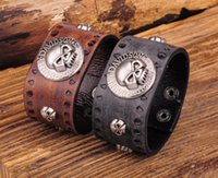 Wholesale Exclusive High Quality Cool Biker Skull Metal Studded Retro Genuine Leather Cowhide Wristband Bracelet Cuff Mens