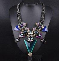 Colliers bib Prix-2016 Nouveau bijoux de mode pour les femmes Big triangle strass énoncé collier Chunky chaîne Crystal collier de bib colliers pendentifs