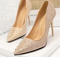 Revisiones Zapatos de damas de honor baratos negro-2015 Rhinestone zapatos de boda de dama de rosa zapatos Zapatos nupciales Venta Luz barato Cielo Azul Profundo Negro Gris Oro Plata caliente
