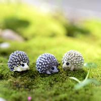 Wholesale 10pcs mini animal hedgehog figurine Fairy garden house Decoration resin craft bonsai tools moss Gnome Bottle DIY Jardin Miniature Terrarium
