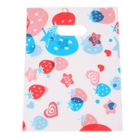 plastic carrier bags - 180pcs Hotselling Plastic White Carrier Bags Strawberry Printed Style Boutique Gift Carrier Bags x15 cm