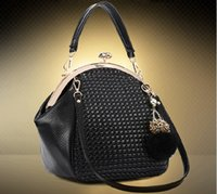 Wholesale NEW The Female Leather Women Bags Hot Women Genuine Leather Women Messenger Bag Vintage handbag designer Shell bag fashion Shoulder Bag
