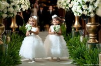 party costumes - Custom Made White lovely kids girl party princess costume baby girls dress with Ruffles A line Cute flower girls dresses