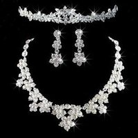 Wholesale New Crystal Jewelry Necklace Earrings Hair Crowns Sets Beautiful bridal jewelry Fashion flower shape Women wedding Decorative three piece