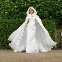 Wholesale Under Top Quality Winter White Wedding Cloak Cape Hooded with Fur Trim Long Cheap Bridal Jacket In Stock VT