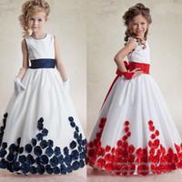 Wholesale Lovely Flower Girl Pageant Dresses Princess Beaded Flowers Long Sleeveless Gown for Kids Girl F529
