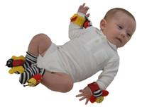 2016 Hot Baby sozzy Jouet de poignet de sac à dos de jouet Bee Baby Rattle Socks Lamaze Baby Rattle Chaussettes et bracelets