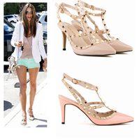 al por mayor bombas de clavos-2015 Spike Tacones Candy Color Remache Zapatos Sandalias Zapatos De Las Damas 9CM Bombas Zapatos De La Señora Del Alto Talones 35-42 Sandalias Del Estilete De Las Mujeres