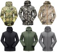 achat en gros de salopettes pour les hommes-2017 hommes de haute qualité Lurker veste de randonnée coupe-vent imperméable Vestes de camouflage Sports Camouflage camping Randonnée Top Vêtements athlétiques