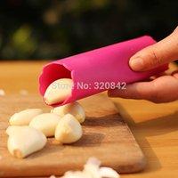 Wholesale Vegetable Tool Garlic Peeler Magic Garlic crusher Peeler Kitchen Tool Mincer Stirrer Presser Slicer Garlic peeling