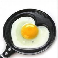 Wholesale love omelette pan without cover romantic breakfast omelet pan cooking tools mini heart shaped frying pan egg pan without lid