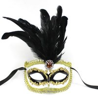 Wholesale 100 High Quality Fashion Promotion Plastic Venice Carnival Mask Party Mask with Feather for New Year Carnival Feather Masks