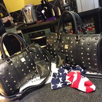 Wholesale MCM Bags Hot Sale Brown Leather Duffel Bags Designer Outdoor Sports Packs Mans Womens Handbags Totes Fashion Travel handbags M525