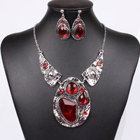 Wholesale Factory Direct China Exaggeration Necklace European and American Vintage Red Antique Silver Plated Alloy Jewelry Bridal Jewelry Sets N29824