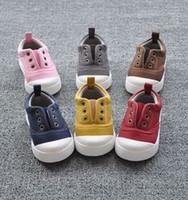 al por mayor vendimia de los zapatos de bebé-El estilo coreano del otoño 2015 espesa los zapatos de bebé coloridos del niño del niño los primeros zapatos del caminante para los zapatos ocasionales B3704 de los niños de la vendimia 1-4T