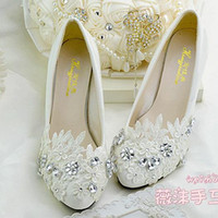 Wholesale Custom Bridesmaid Shoes - Ivory Lace Wedding Shoes Crystal Handmade Appliques Flat Heel 4.5cm 8cm Heel Low Heel Bridal Shoes Custom Made Size Shoes Bridesmaid Shoes